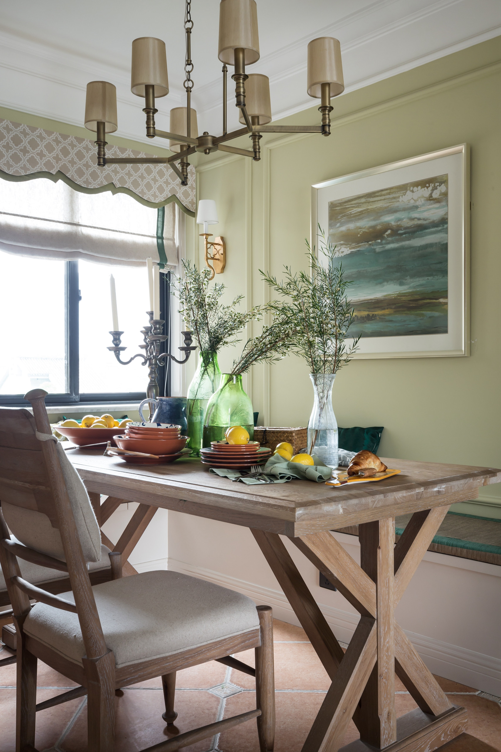 128平美式风格家餐桌图片