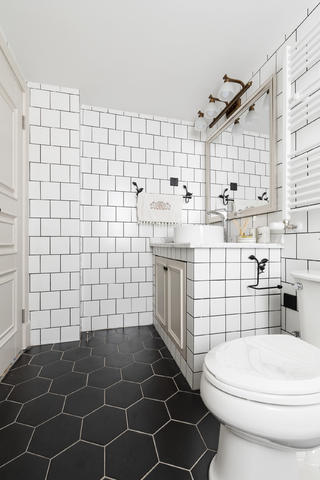 128平美式风格家卫生间设计图