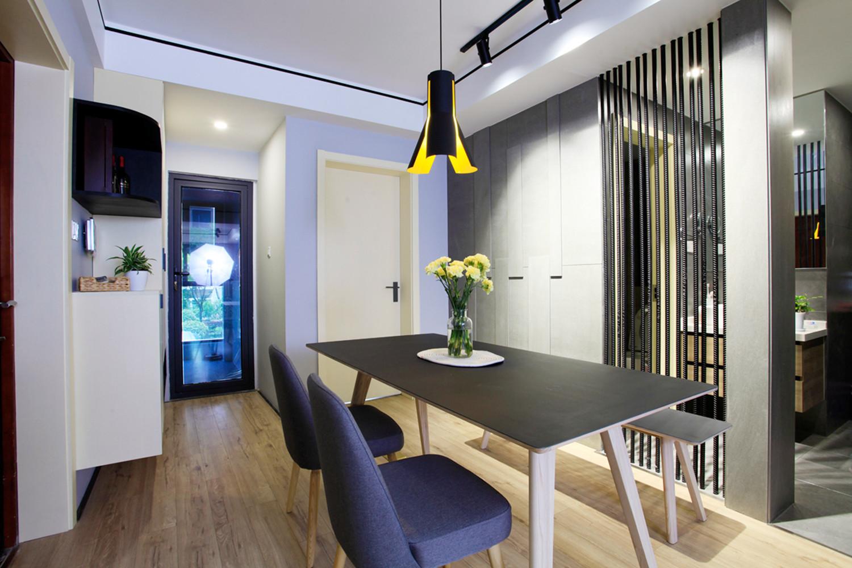 70平北欧二居装修餐厅设计图