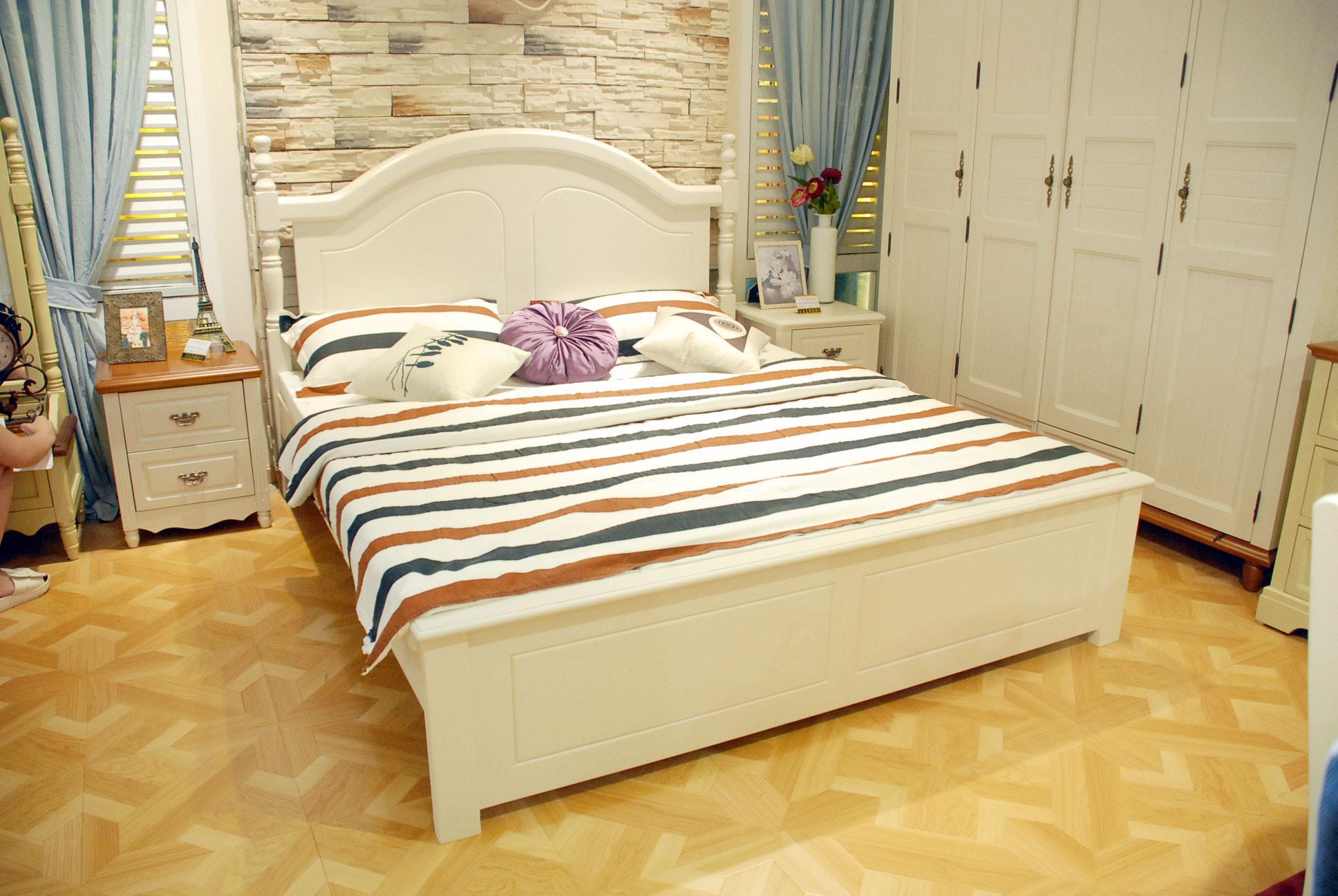 光彩夜宴家具盛惠 家可美W908床+W901床头柜