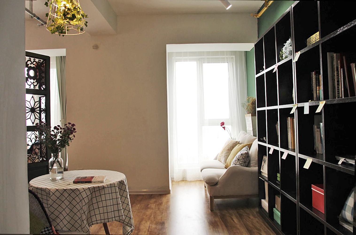 小型工作室混搭装修书柜图片