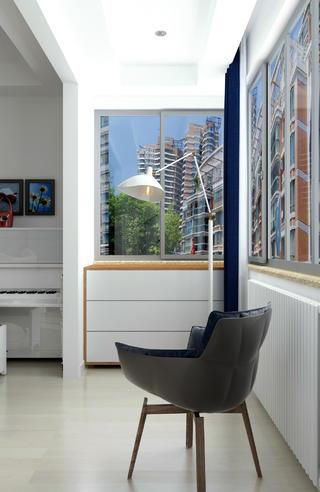 100平三居室装修阳台欣赏图