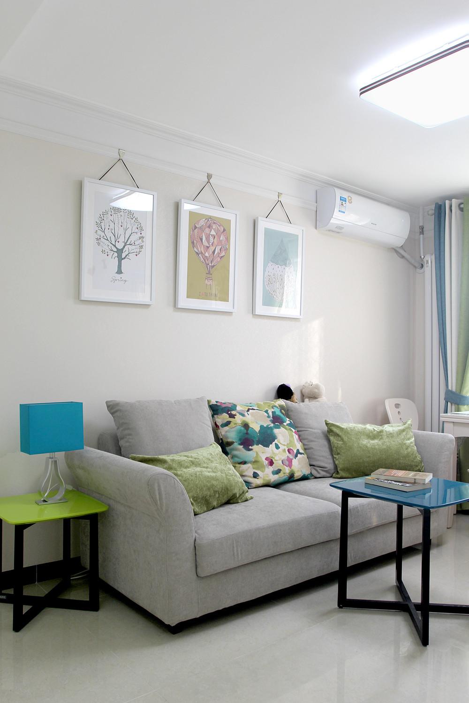 60平小户型装修沙发背景墙图片