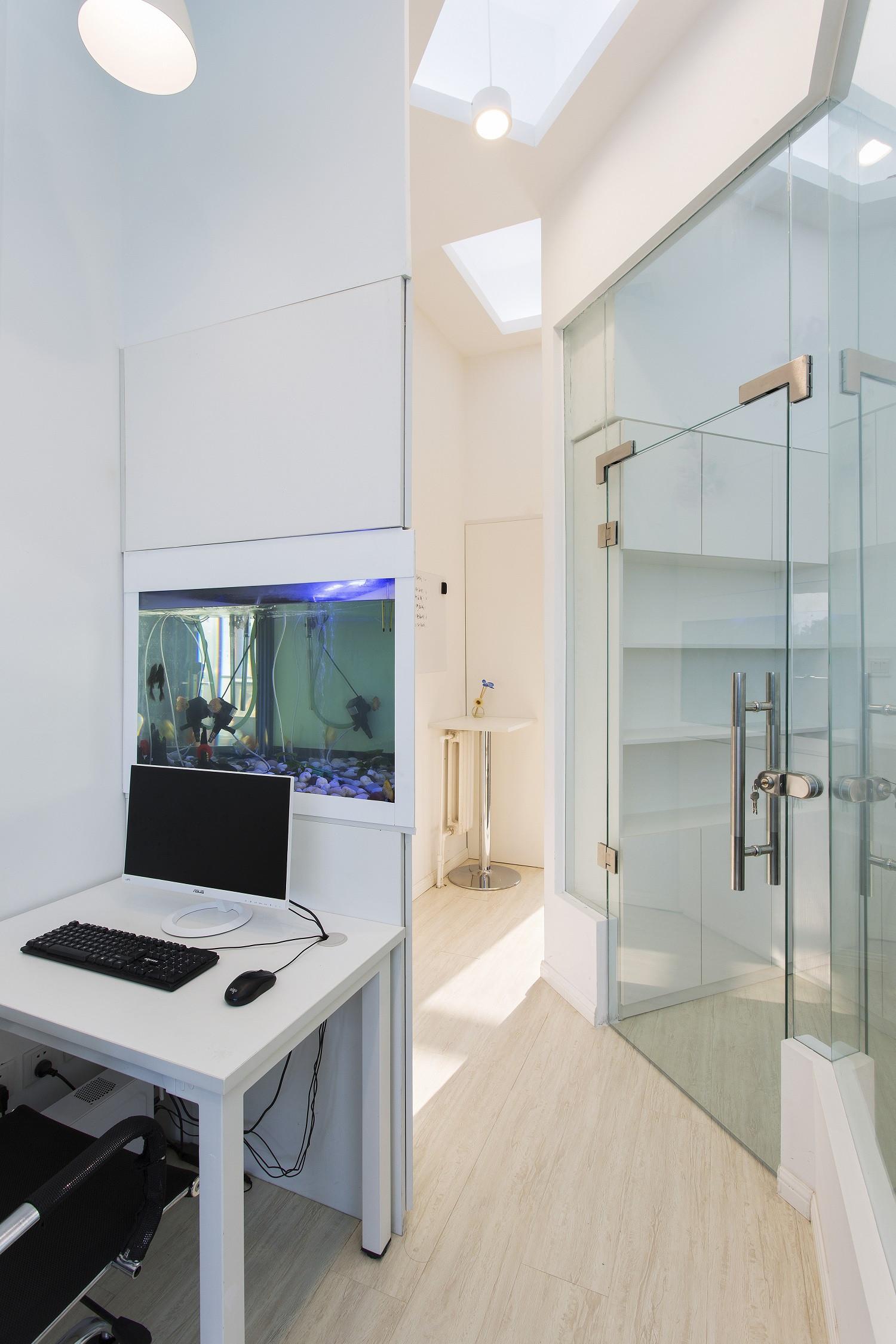 简约优雅办公室装修鱼缸图片