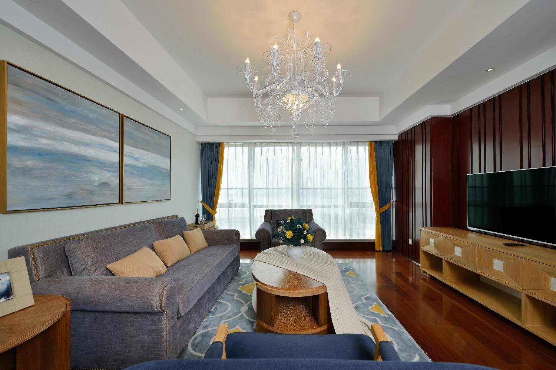 三居室美式空间装修客厅吊顶图片