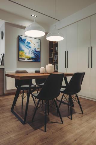 140平现代简约家装修餐厅背景墙图片