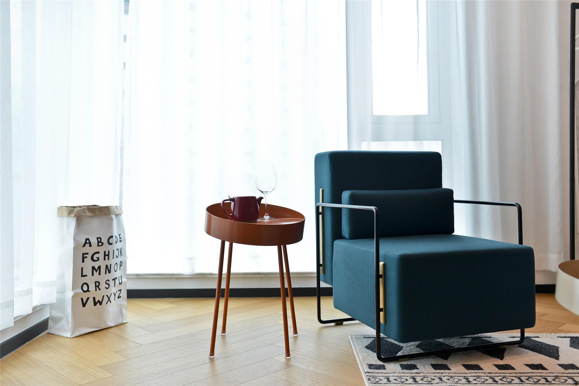70平一居室小家客厅休闲一角