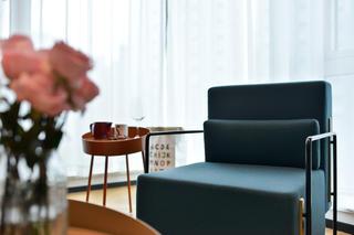 70平一居室小家单人沙发图片
