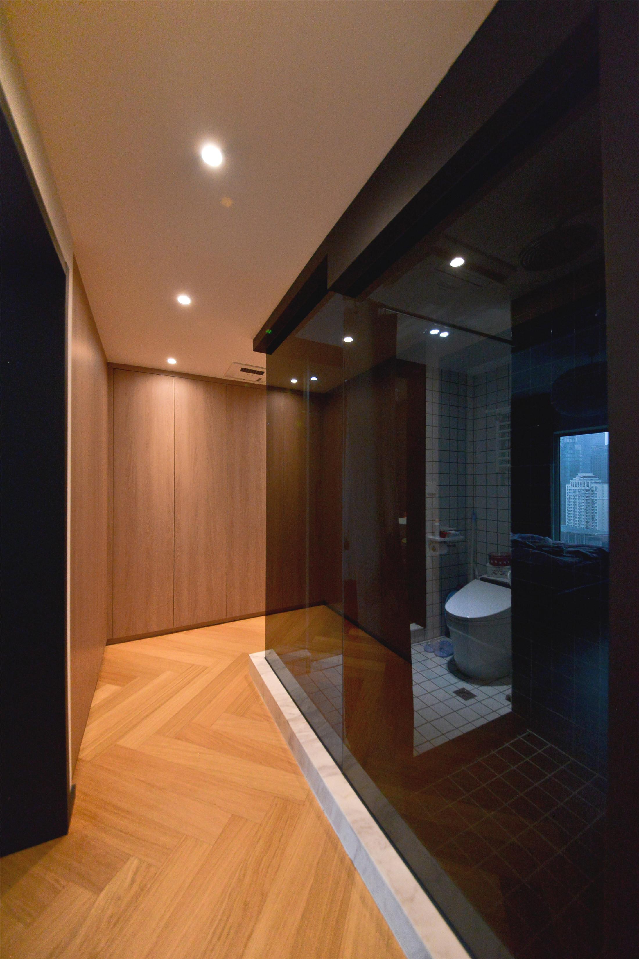 70平一居室小家走廊隔断设计