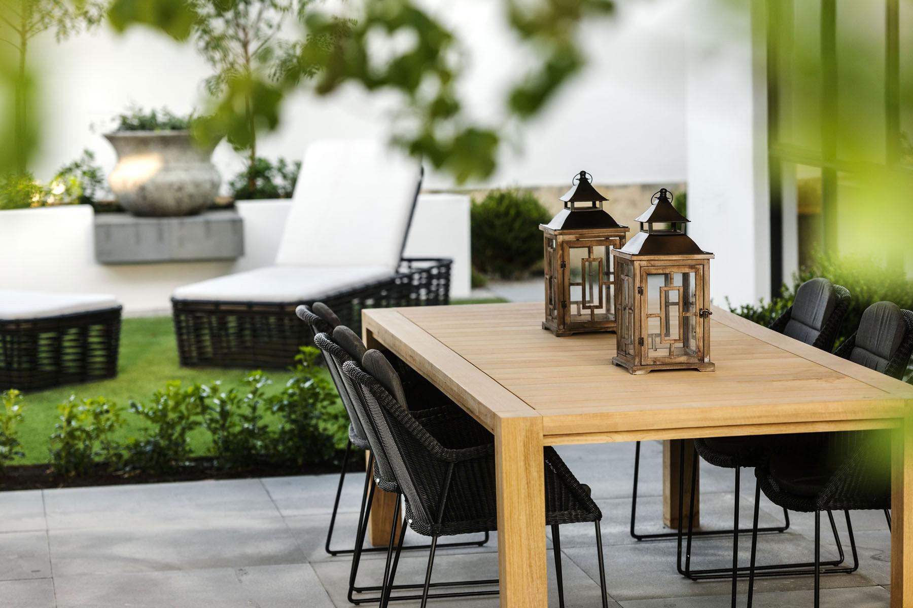 现代中式别墅装修金属灯具图片