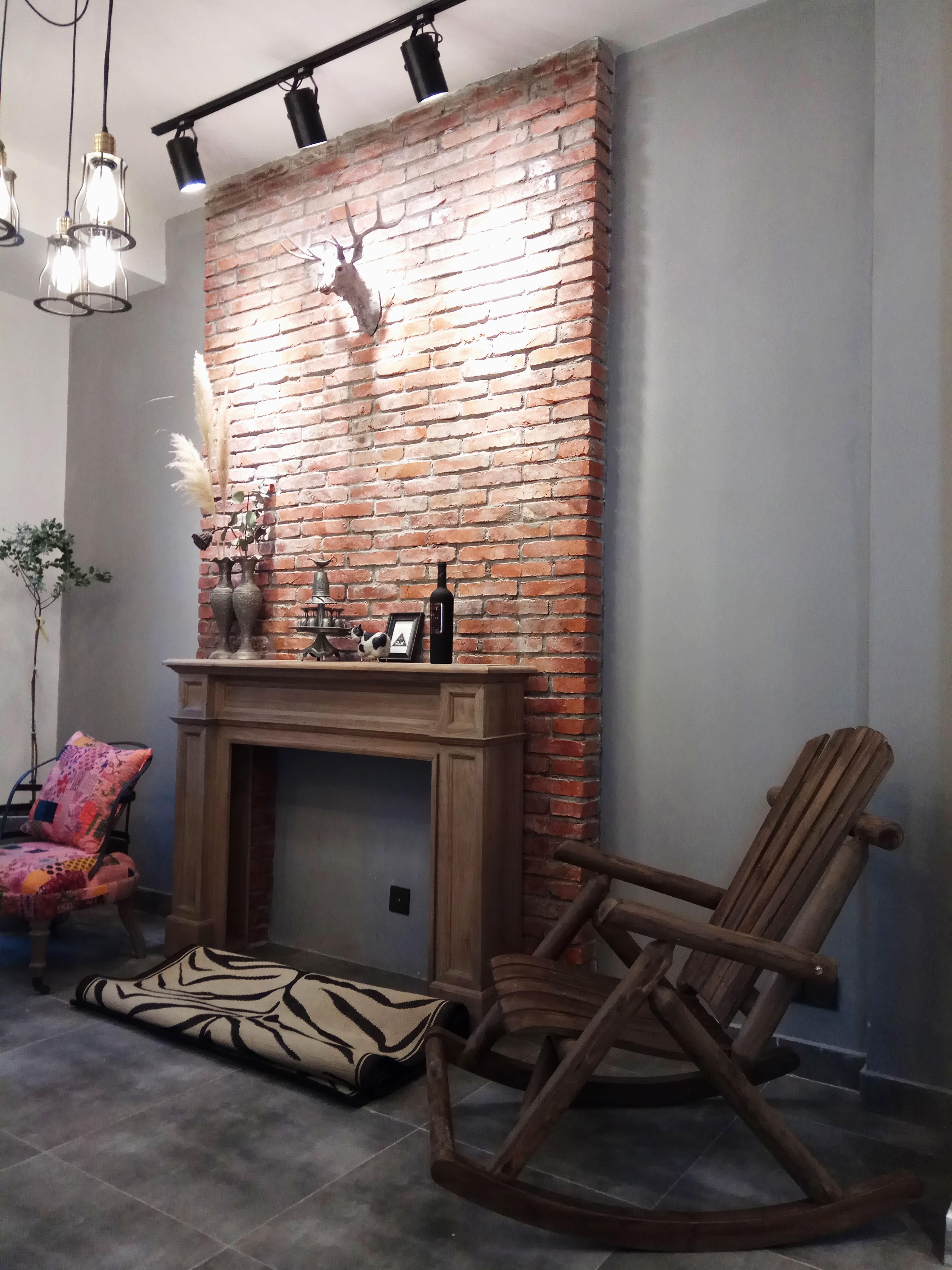 loft工业风装修客厅壁炉造型设计图