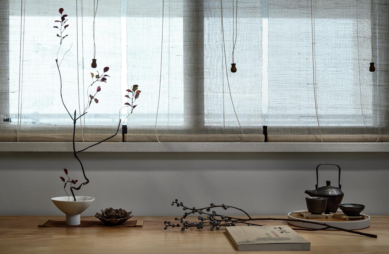 北欧工业风装修书桌摆饰