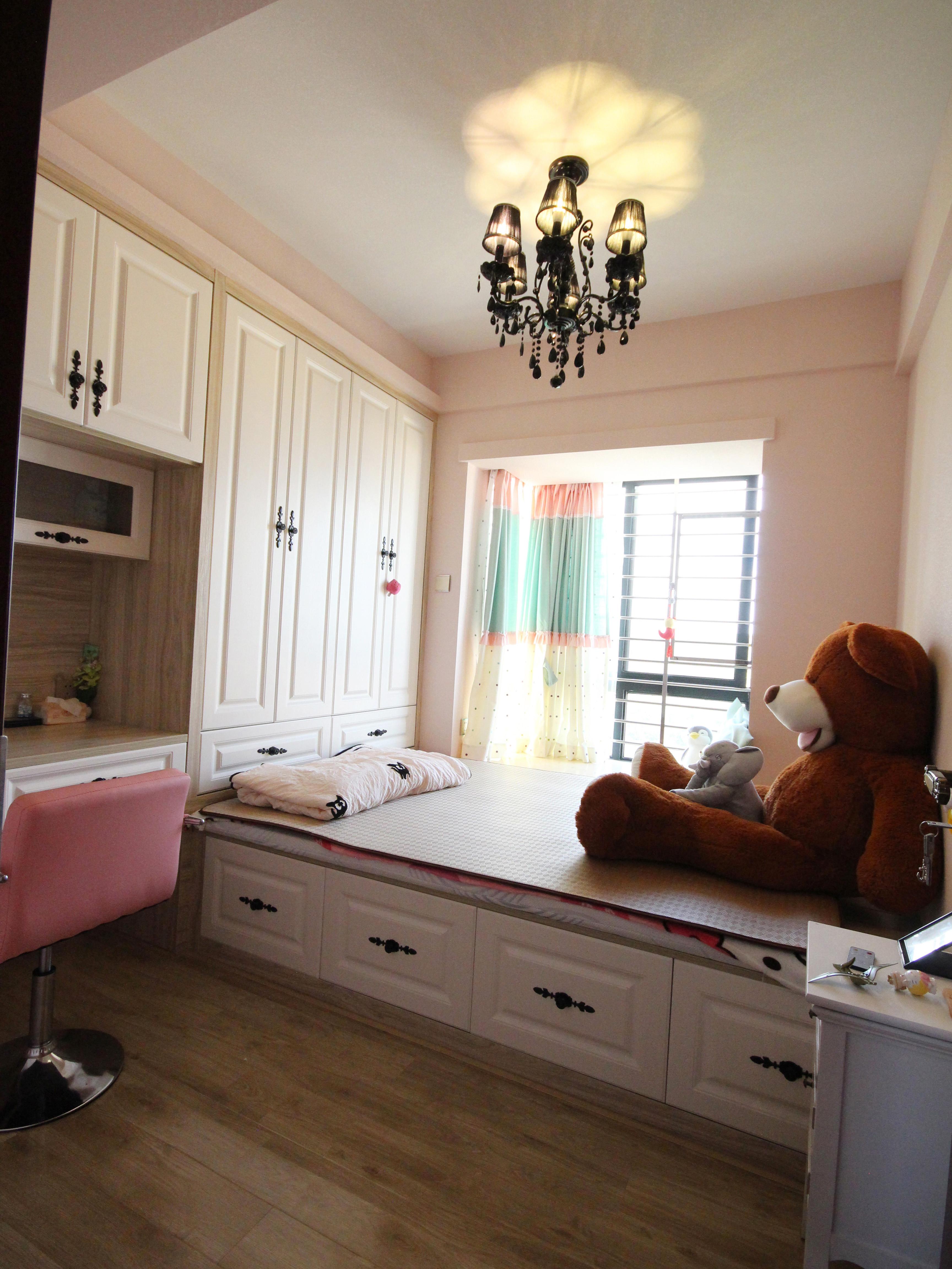 混搭三居室装修女孩房设计图