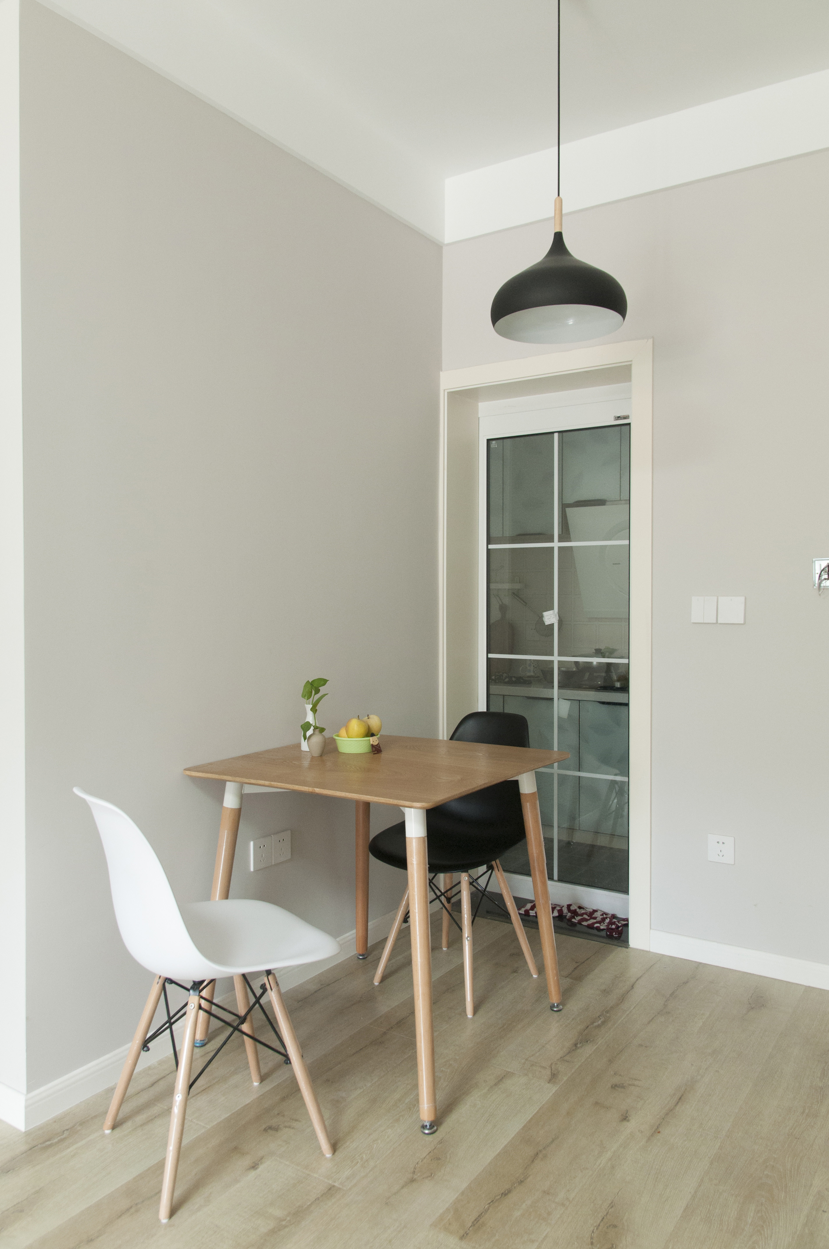 60平北欧二居空间餐厅设计图