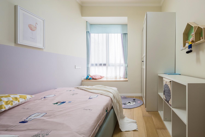 北欧三居室装修衣柜图片