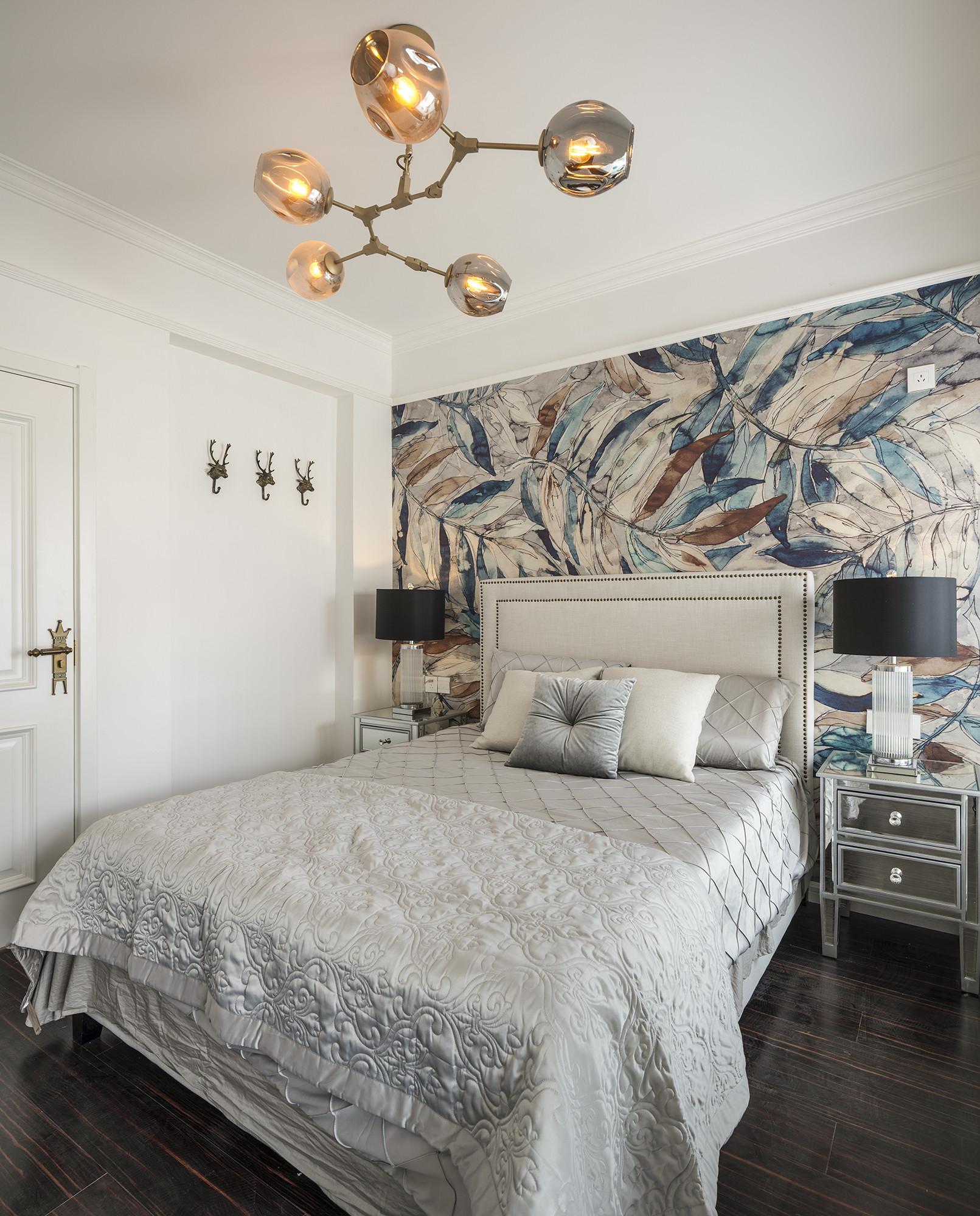 中式二居装修床头背景墙图片