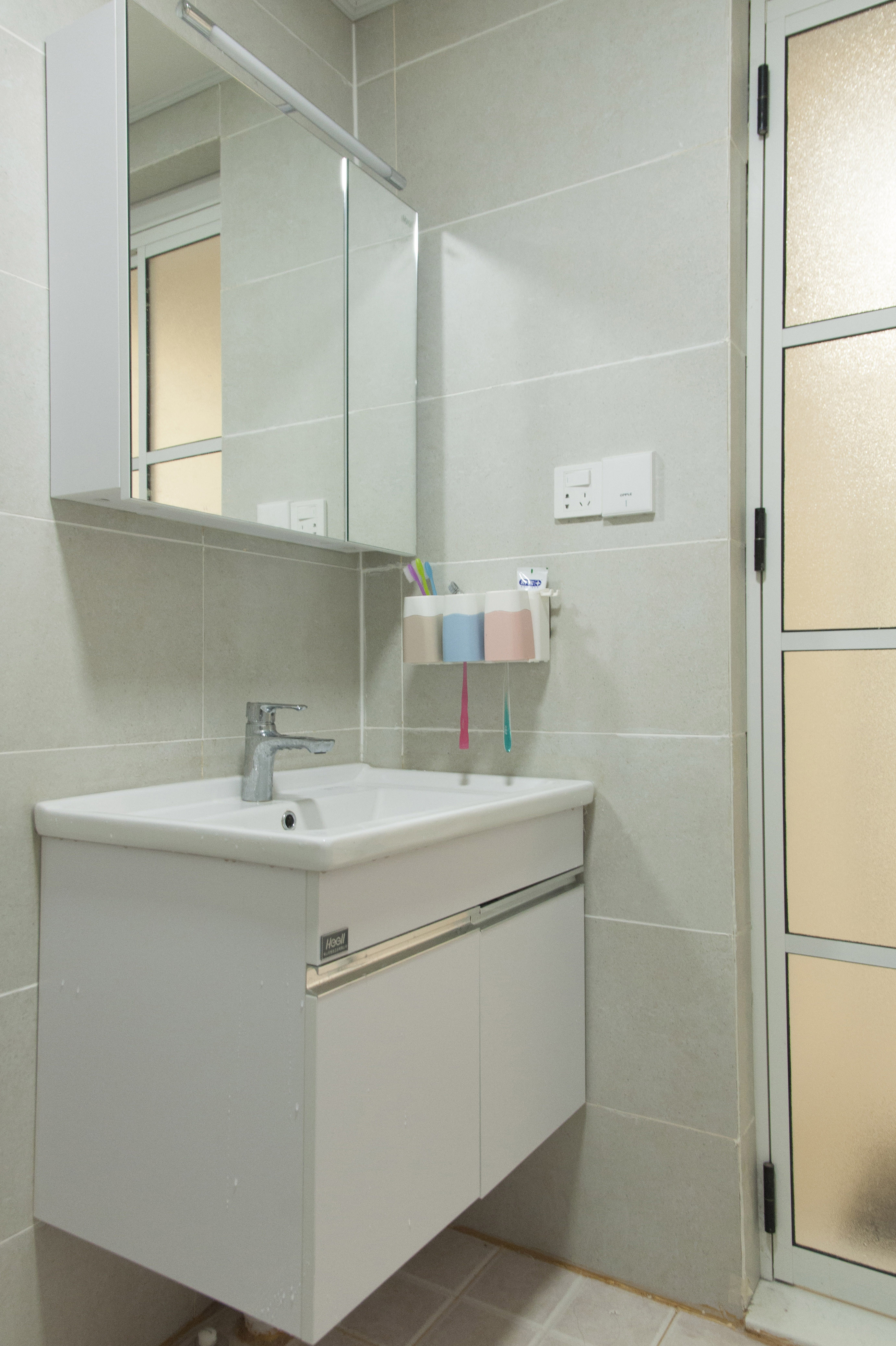 三居室北欧风格家洗手台图片