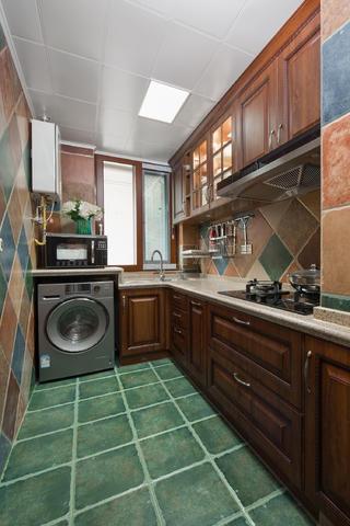 美式三居装修厨房设计图