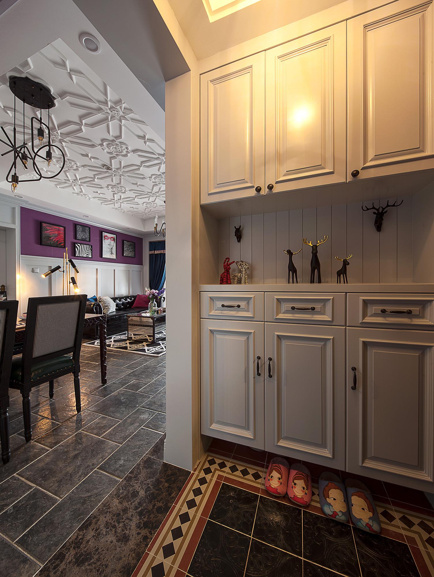 二居室美式装修鞋柜图片
