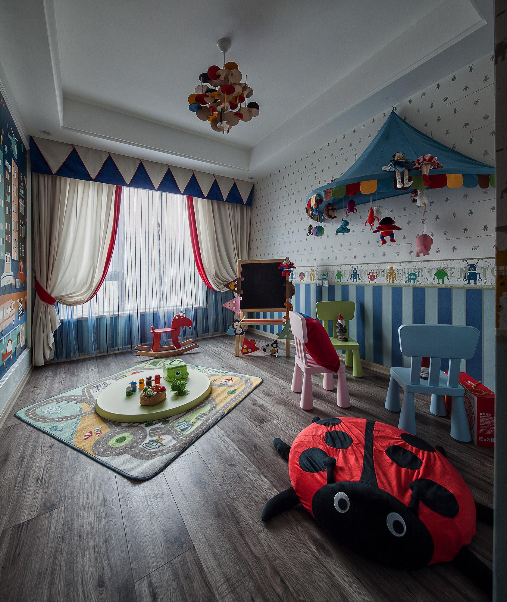 二居室美式装修儿童房布置图