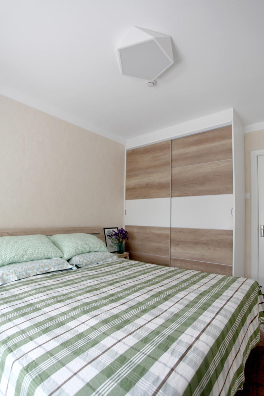 北欧二居室空间衣柜图片