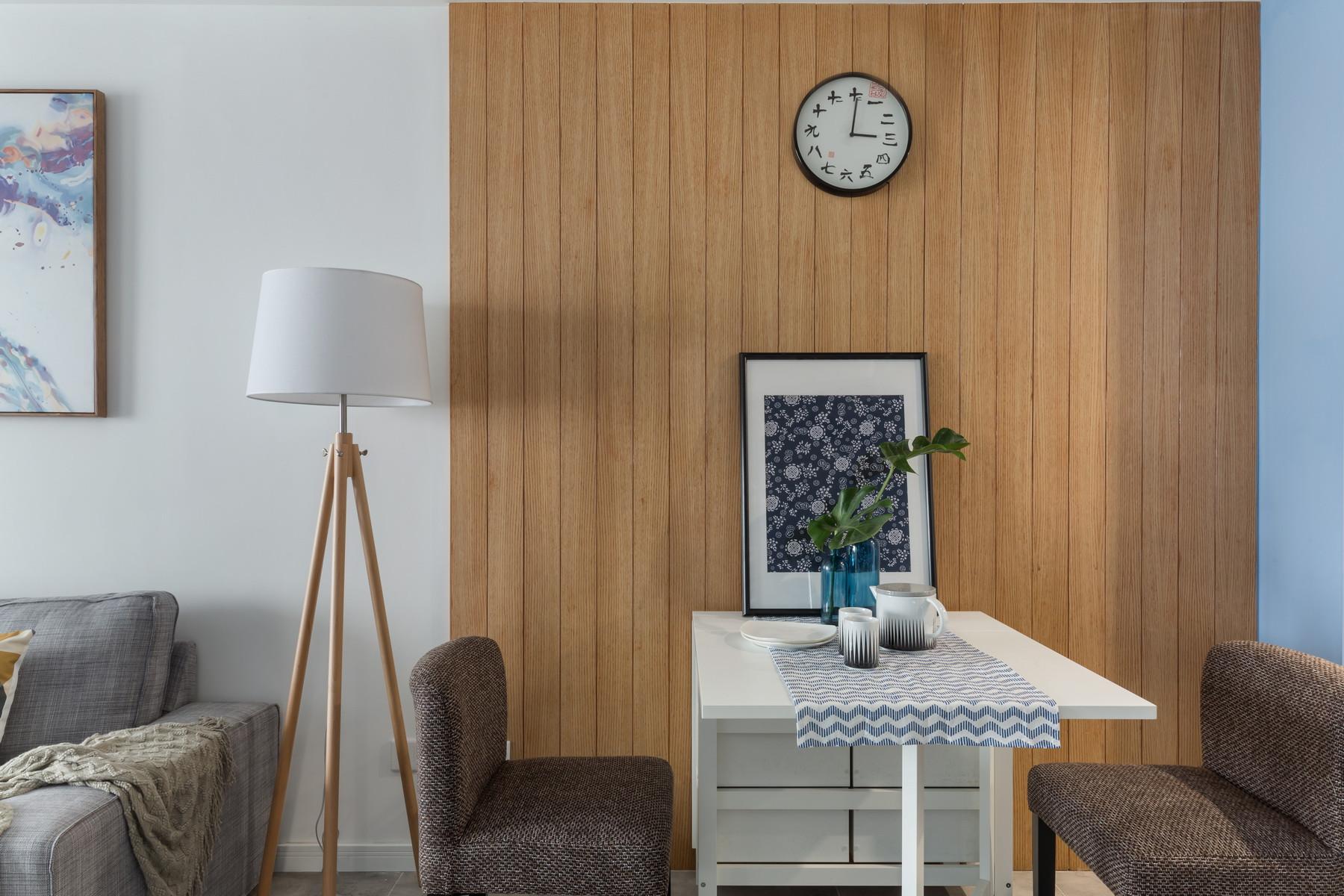 现代简约二居装修餐厅背景墙图片