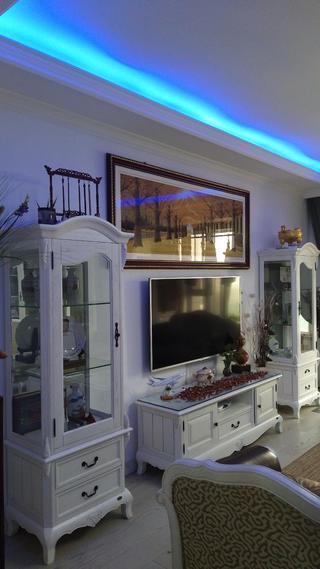 简约三居室装修电视背景墙图片