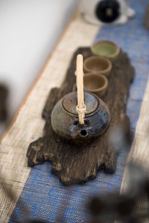 日式布艺展馆装修茶具特写