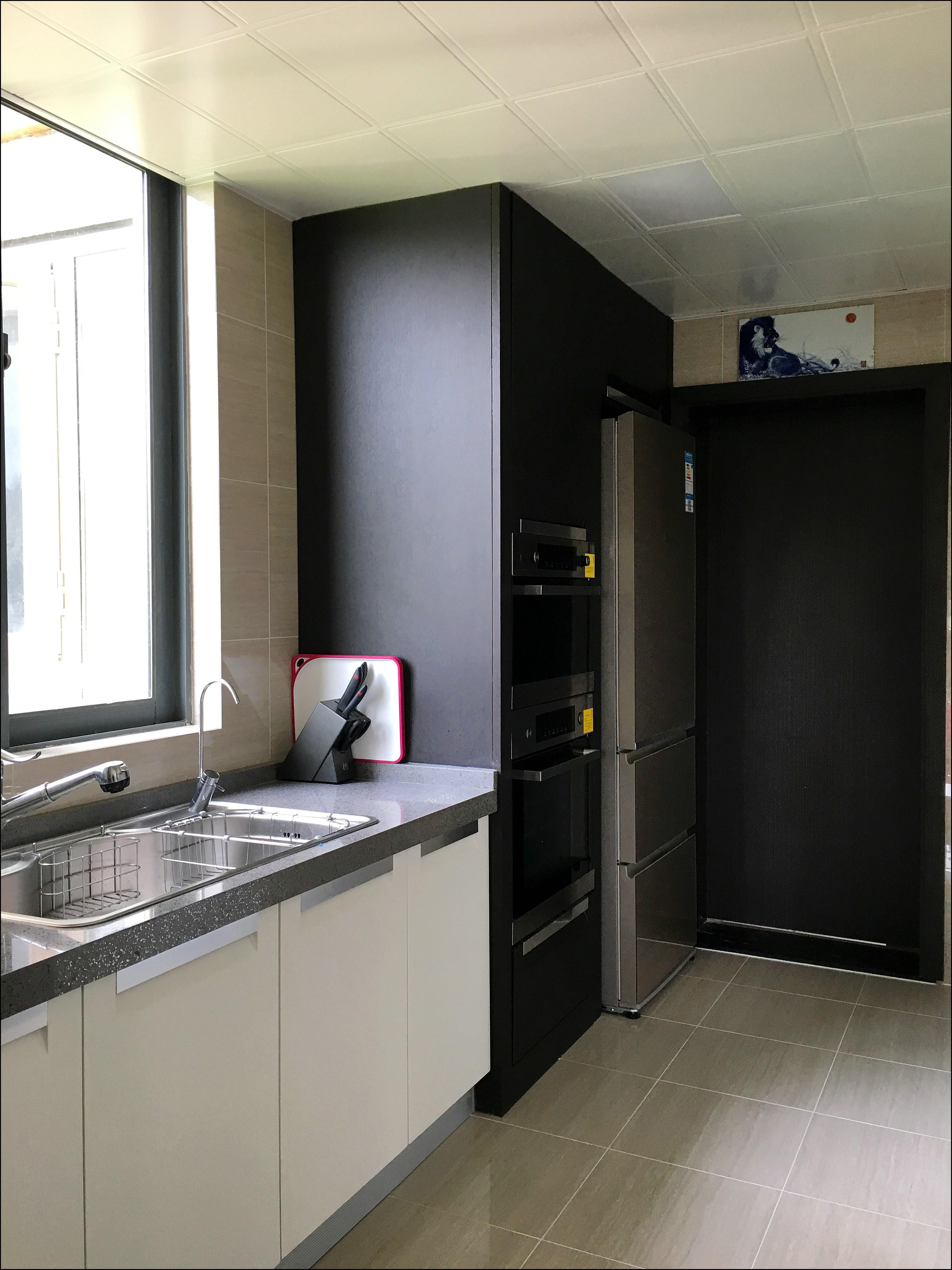 现代简约四居装修厨房图片