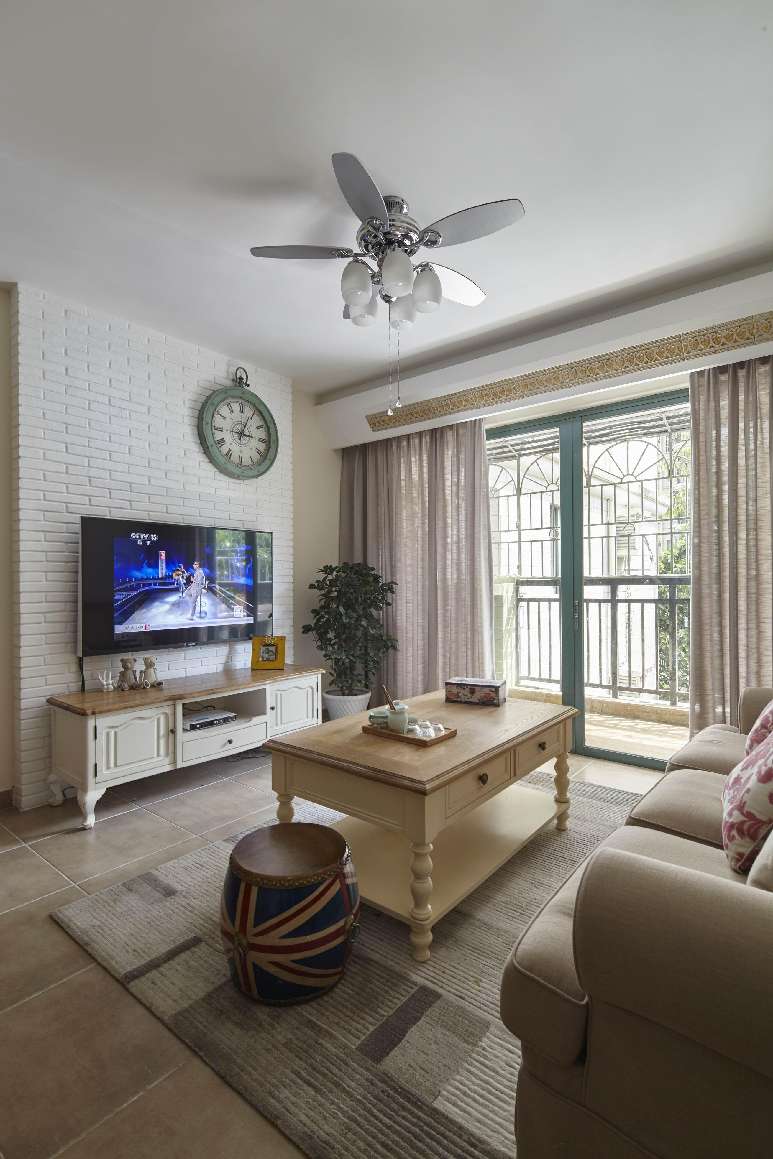 二居室美式之家电视背景墙图片