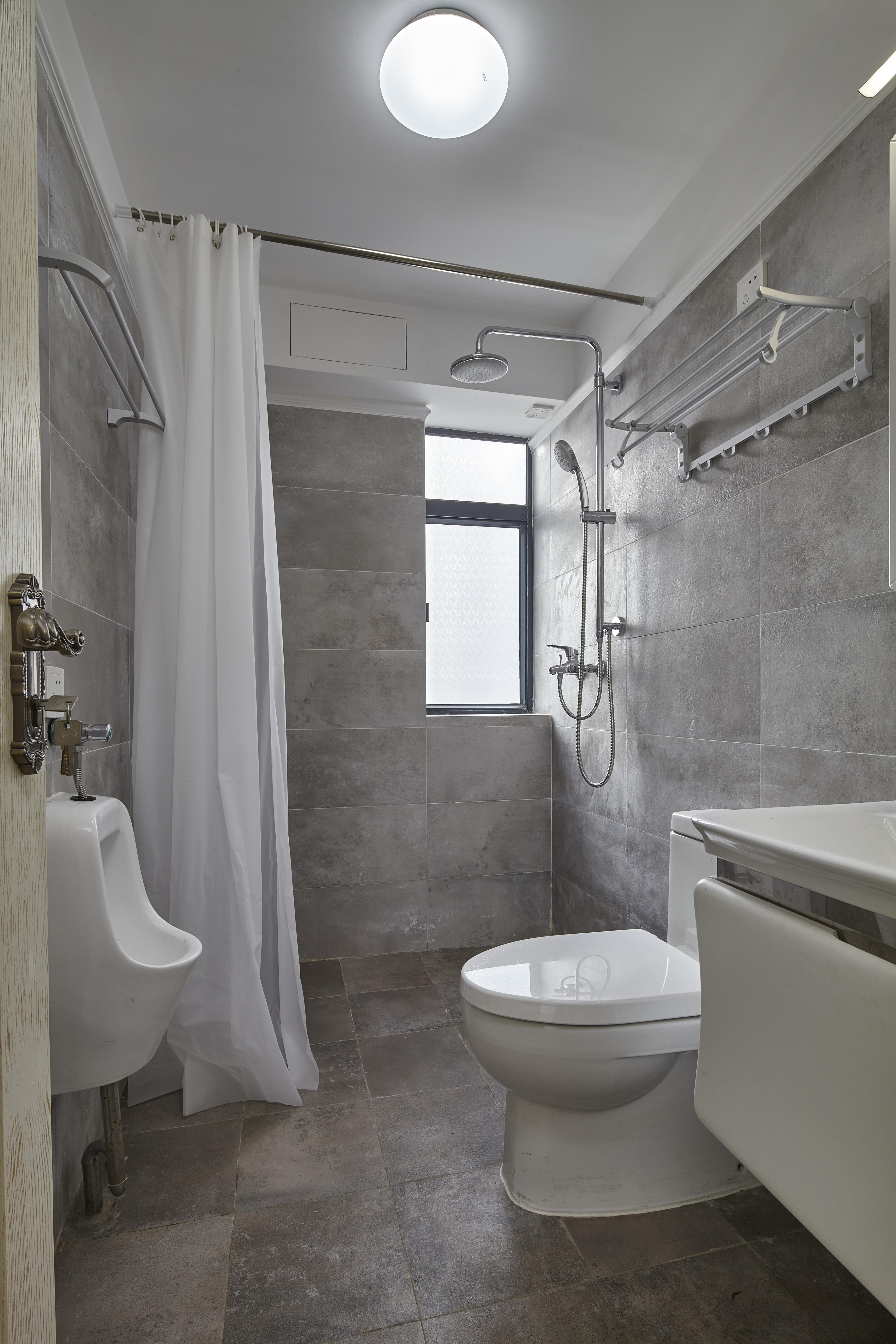 美式三居室装修卫生间效果图