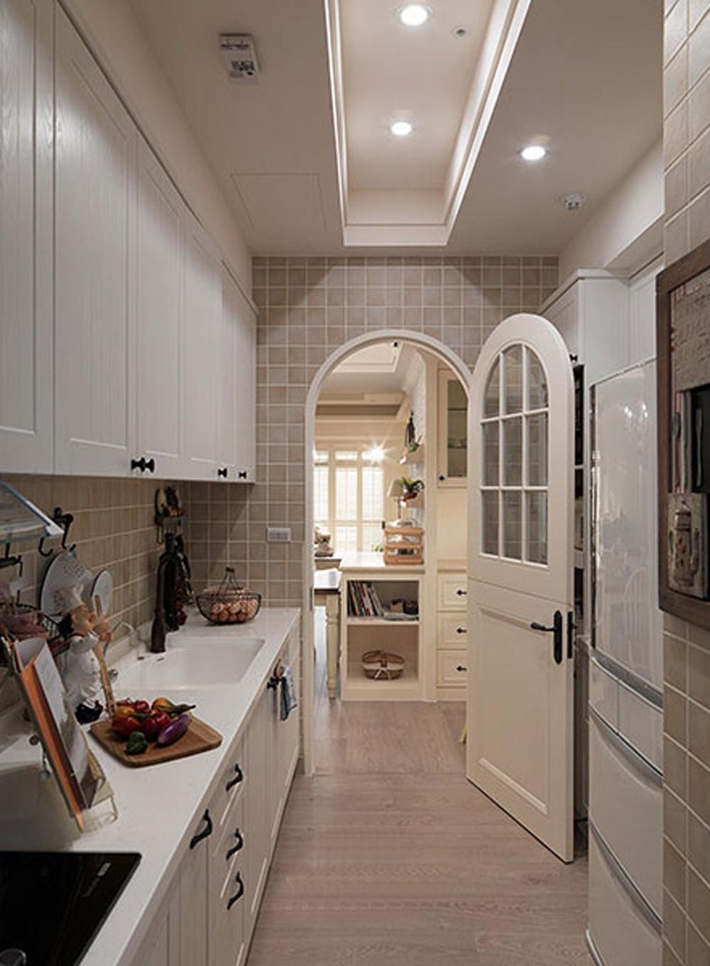 美式四居装修厨房欣赏图