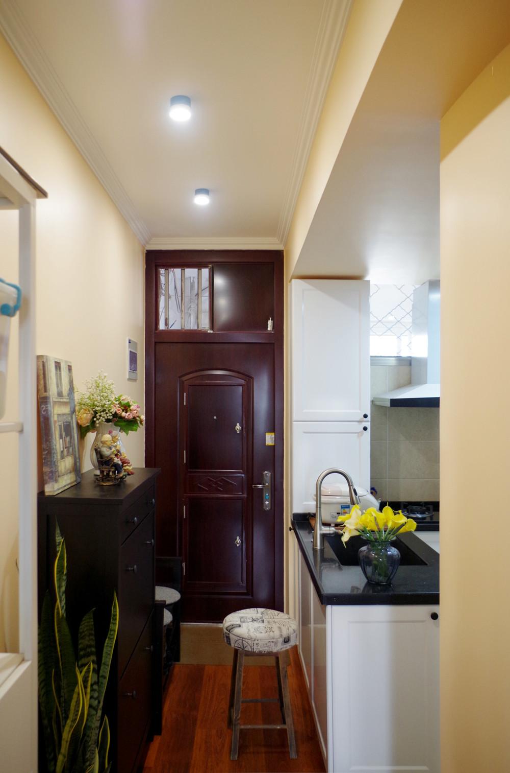 47㎡美式温馨小家装修门厅图片