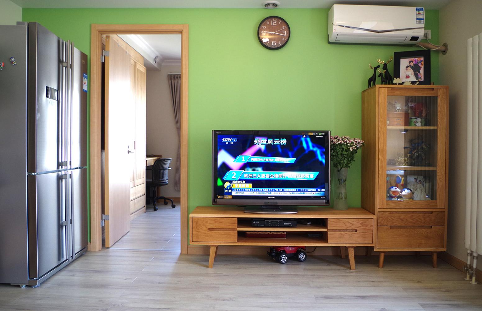 70平北欧二居装修电视背景墙图片