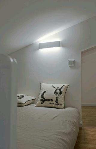 现代简约复式装修客卧设计图
