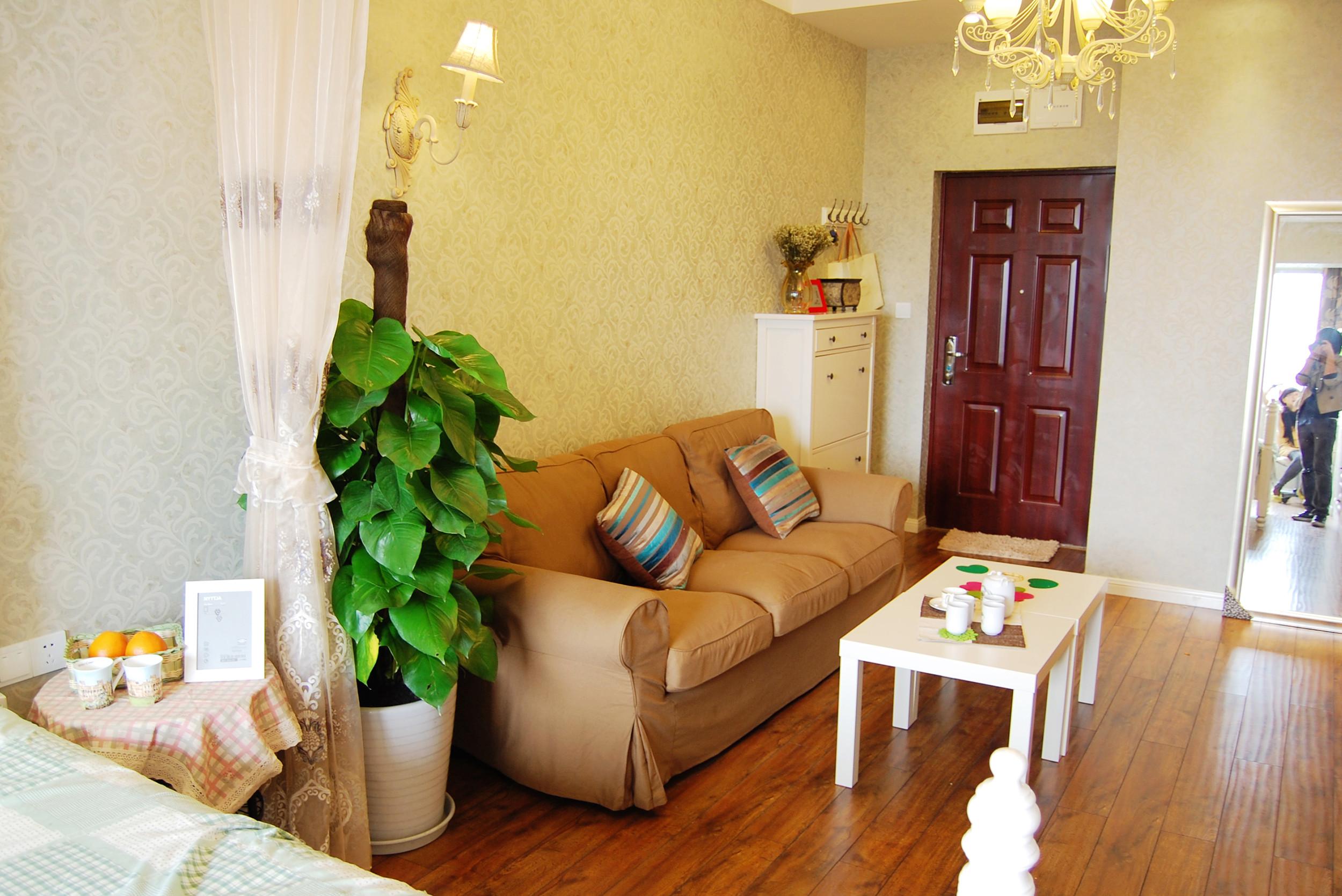 一居室小户型混搭装修沙发图片