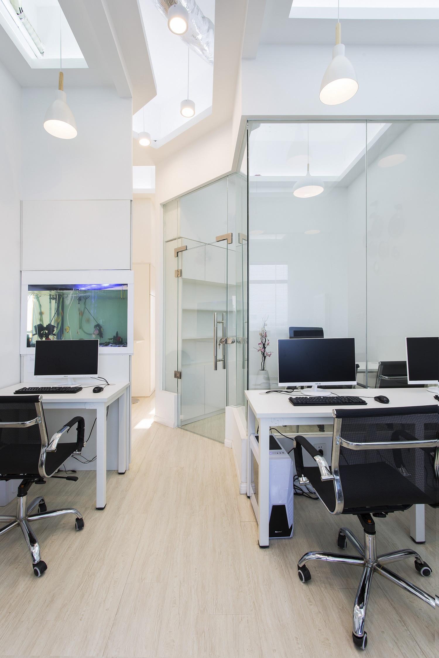 简约优雅办公室装修过道图片