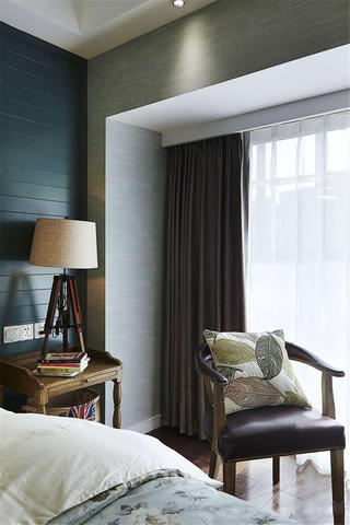 110平复古美式装修卧室一角
