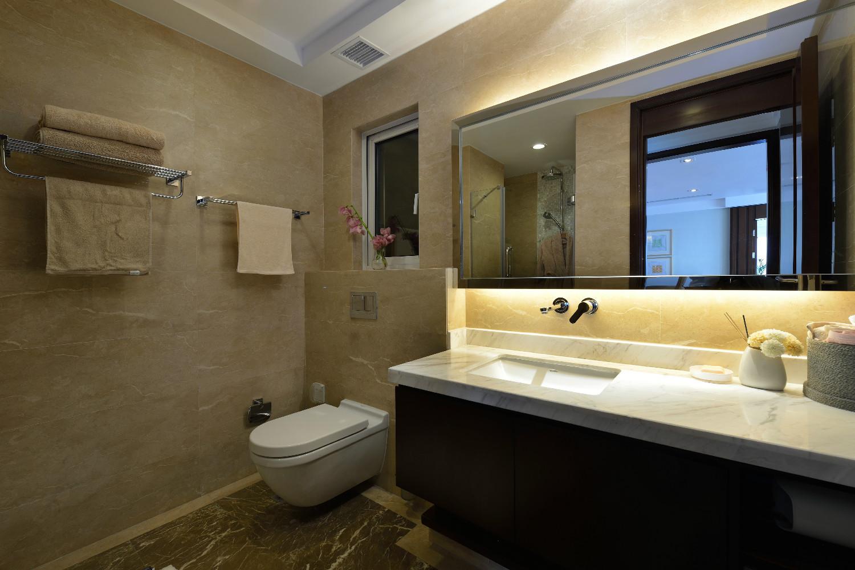 三居室美式空间装修卫生间参考图