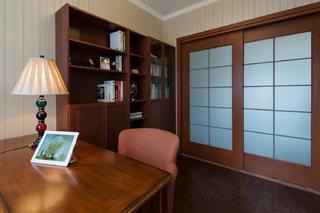 美式三居装修设计书房布置图