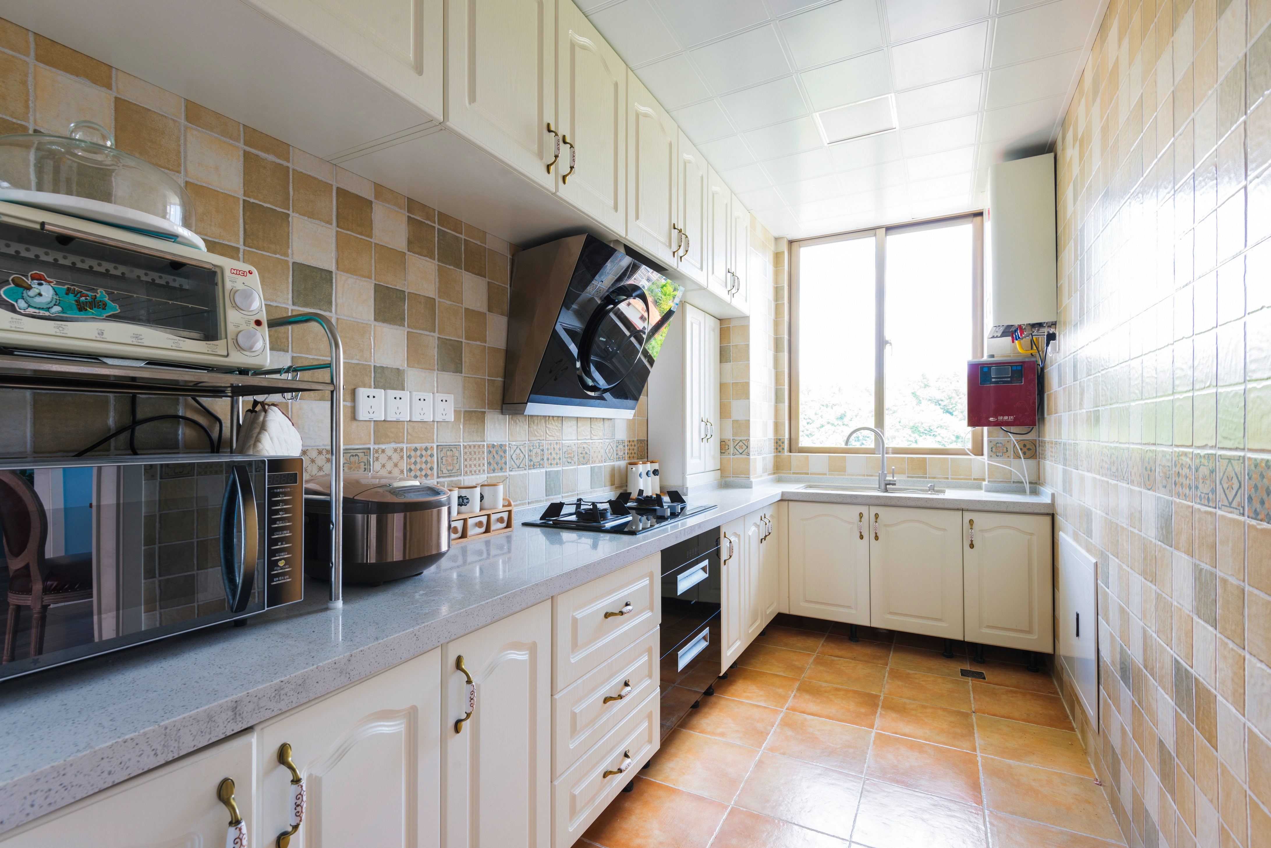 复式美式风格装修厨房欣赏图
