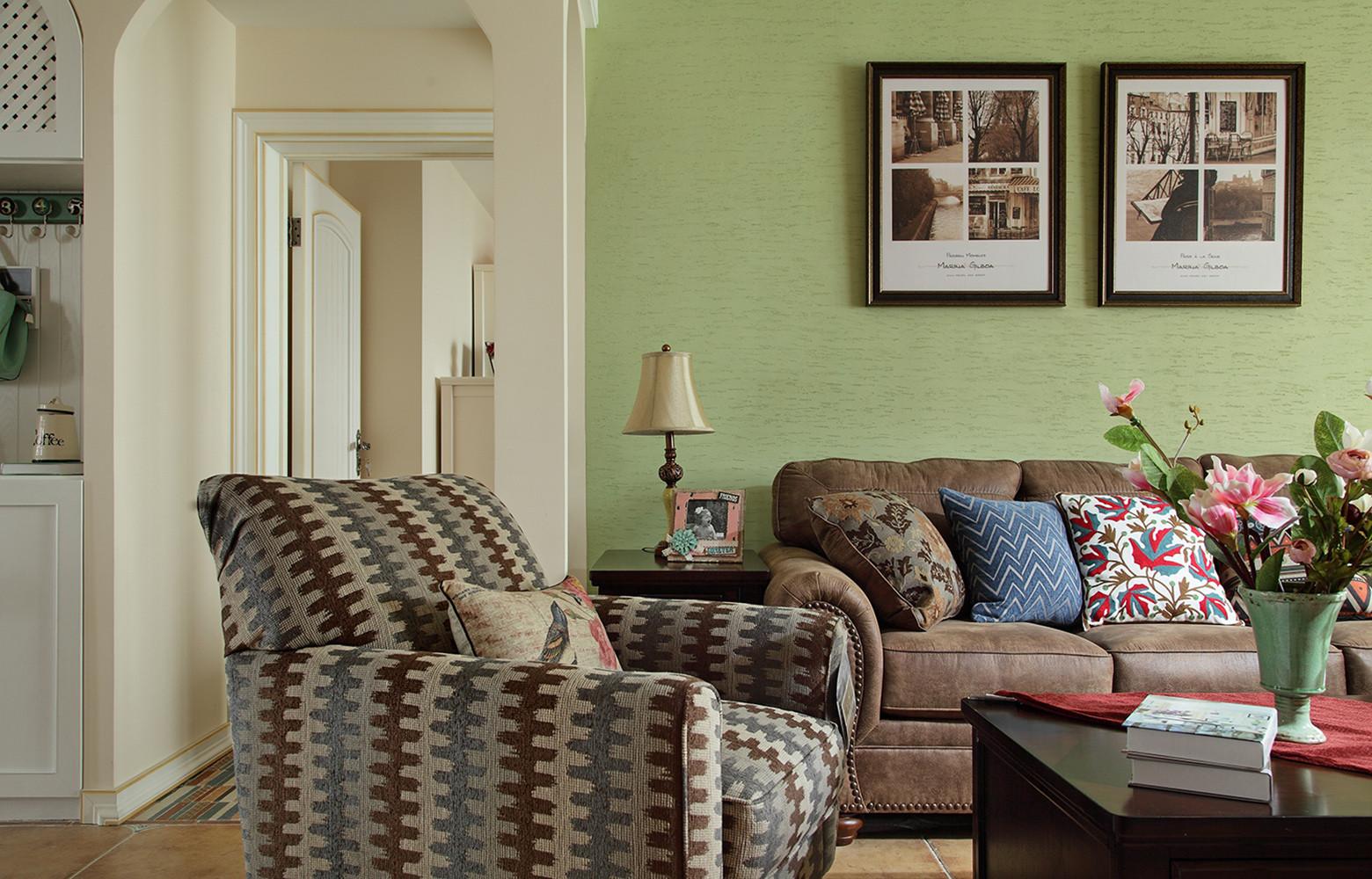 三居室田园风格家沙发背景墙图片