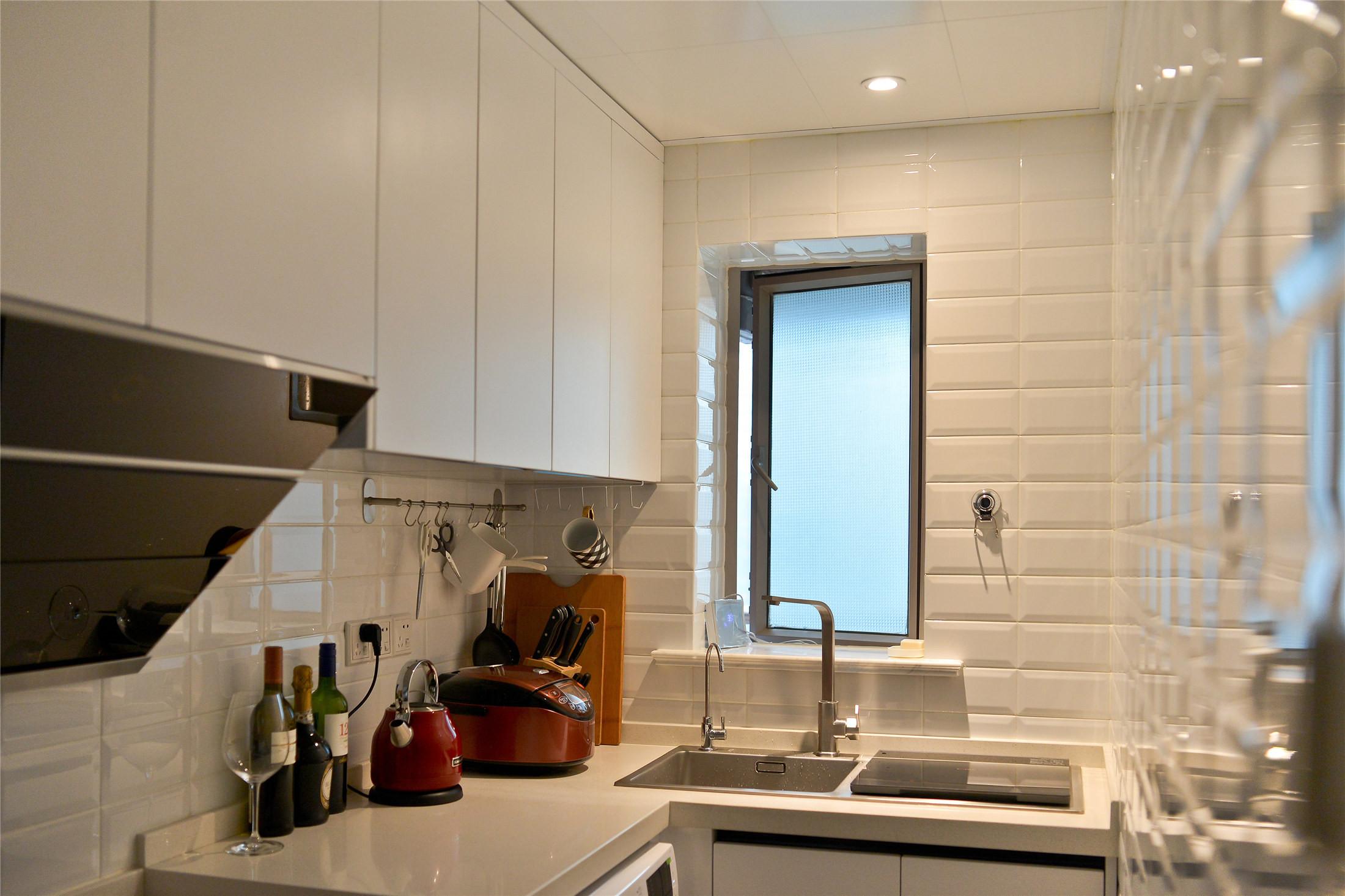 70平一居室小家厨房一角
