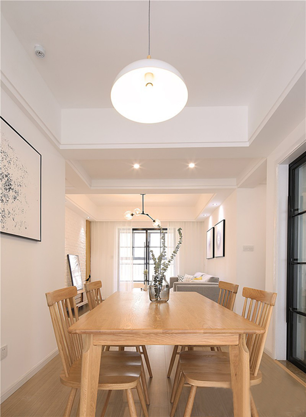 70平简约风格家餐桌椅图片