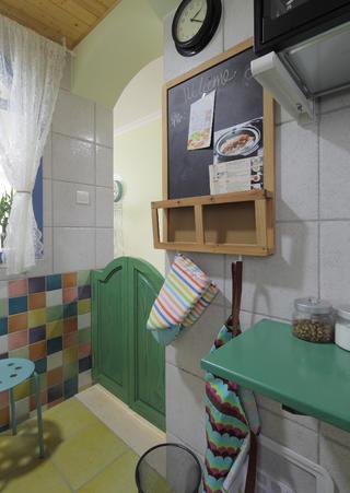 110㎡二居室装修厨房壁挂设计