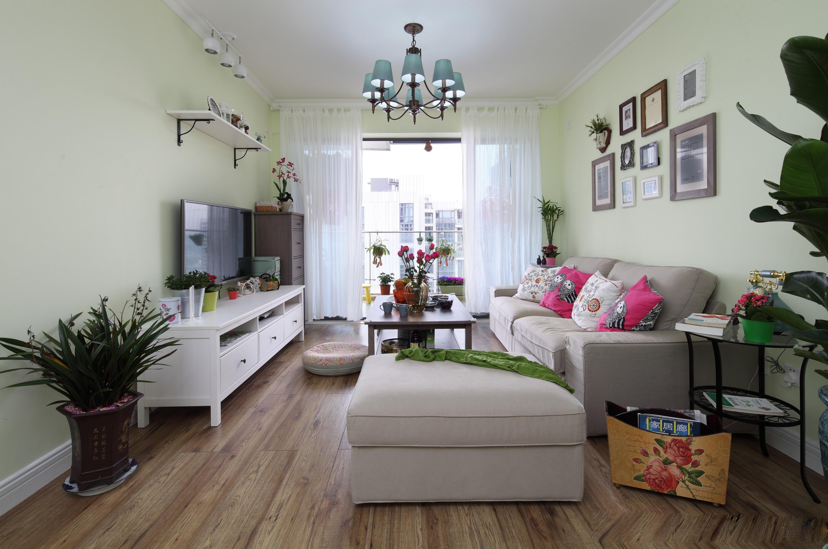 110㎡二居室装修客厅效果图