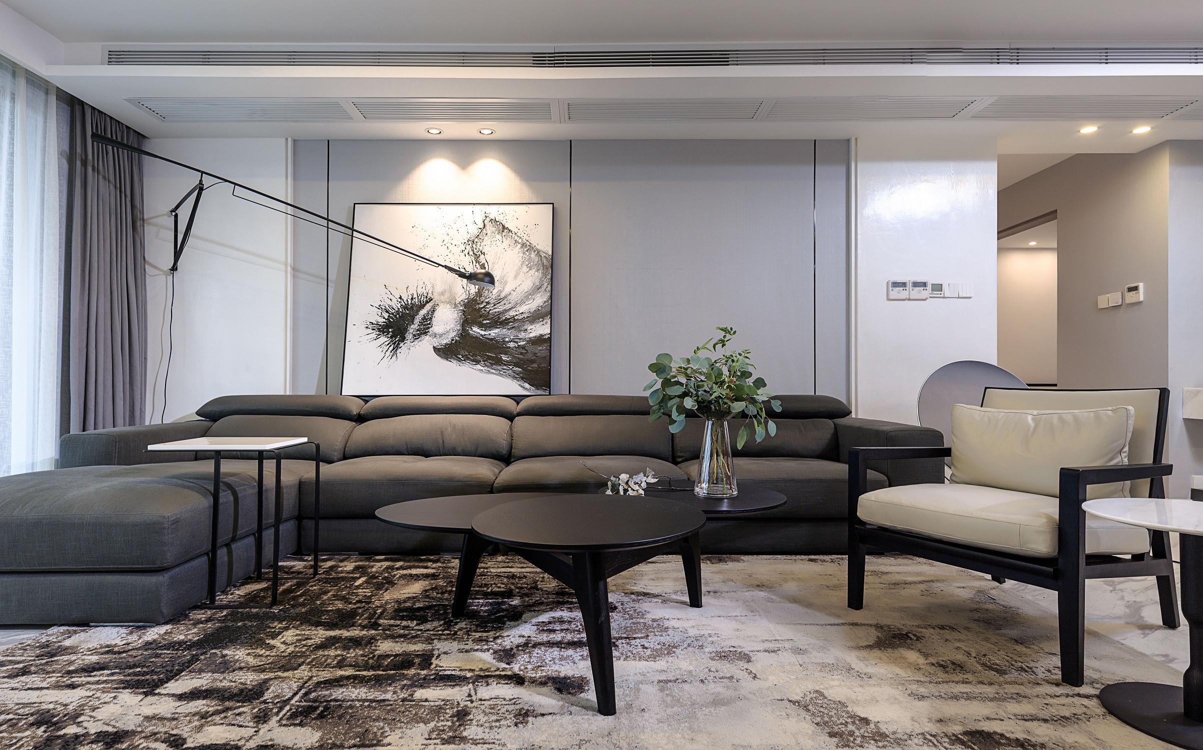 大户型现代极简装修沙发茶几图片