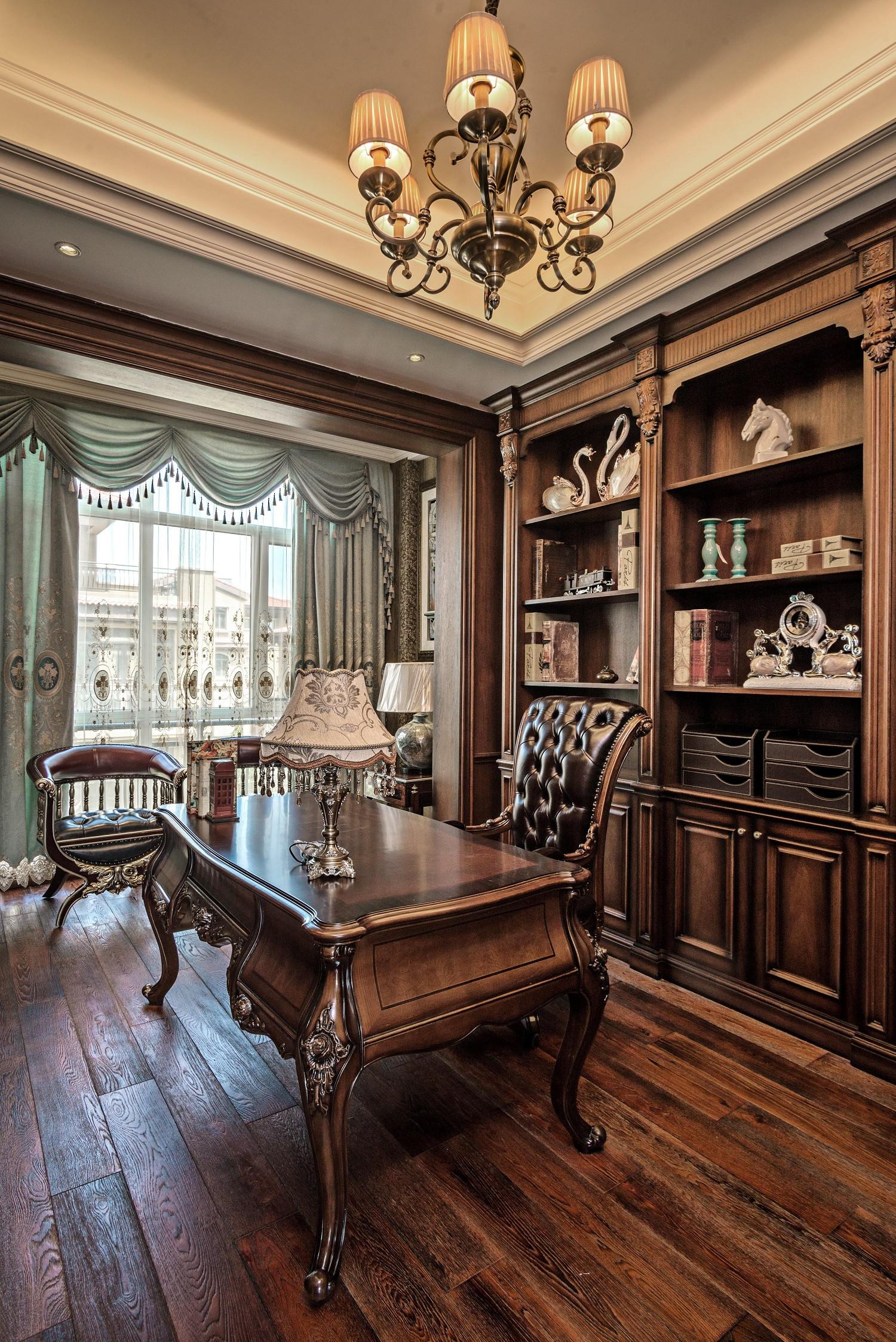 美式古典别墅装修书房布置图