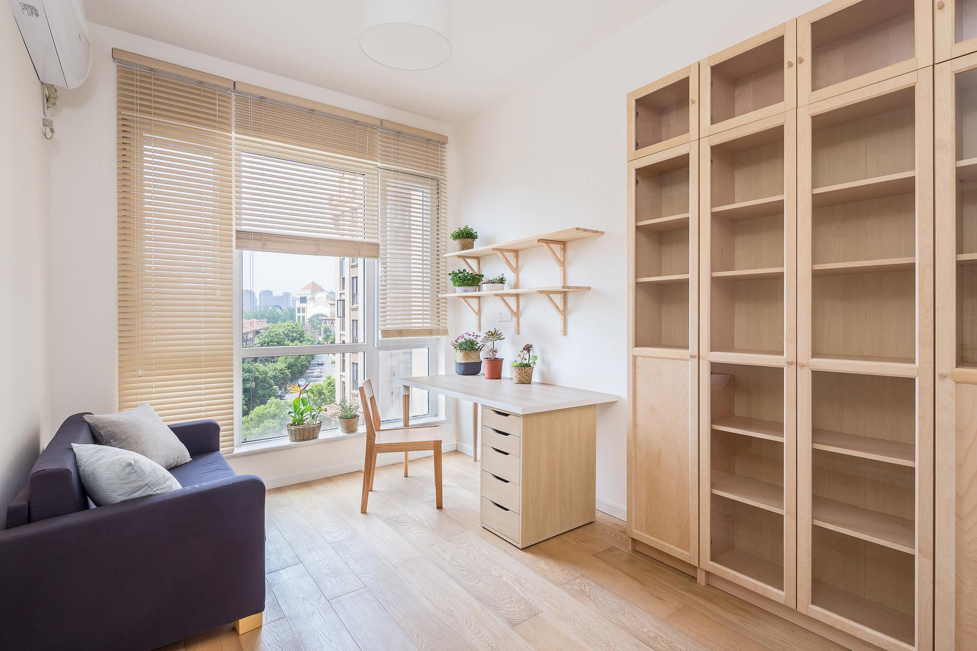 日式三居装修书房效果图