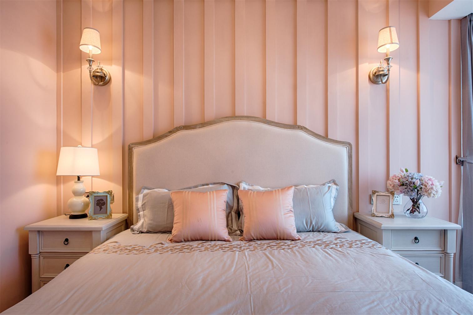 三居室美式空间床头背景墙图片